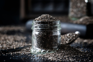 jar of chia seeds | Chia seeds while pregnant: uses and benefits